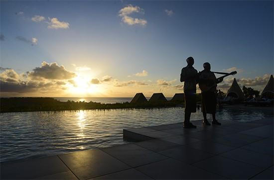 Intercontinental Fiji Sunset Drinks On Club Level