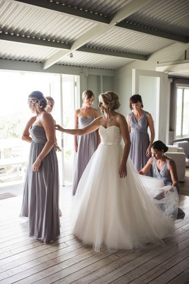 Relaxed New Zealand Riverside Wedding020