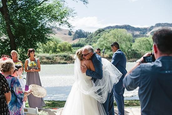 Relaxed New Zealand Riverside Wedding040