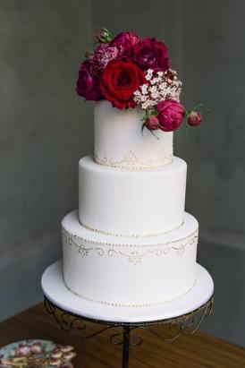 Sweet Vintage Valentines Wedding Inspiration012