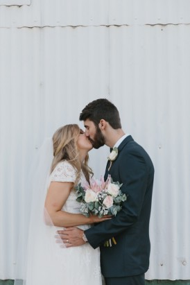 Sweet Rustic Wedding_017