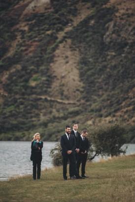 Intimate Queenstown Lake Wedding047