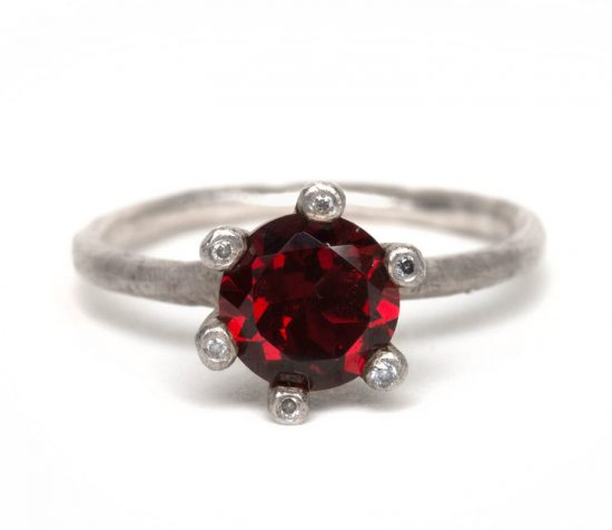 18ct-White-Gold-Garnet-ring-with-Diamonds