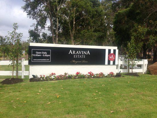 Aravina entrance