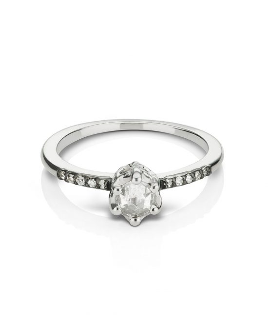 Mania Mania ring_whitegold_whitediamond_large