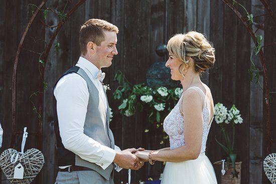 Relaxed Bonnie Brae Barn Wedding026