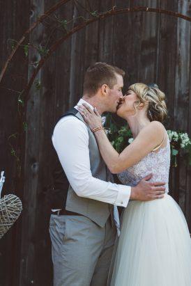 Relaxed Bonnie Brae Barn Wedding028