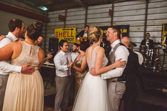 Relaxed Bonnie Brae Barn Wedding083
