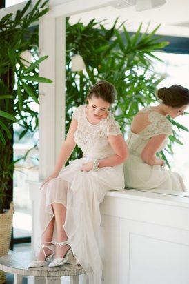 Romantic Bridal Bun Tutorial009