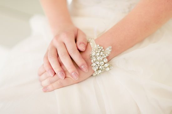 Romantic Bridal Bun Tutorial010