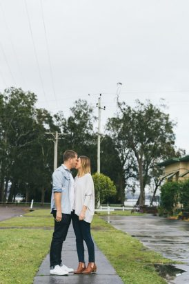 Relaxed And Romantic Engagement021