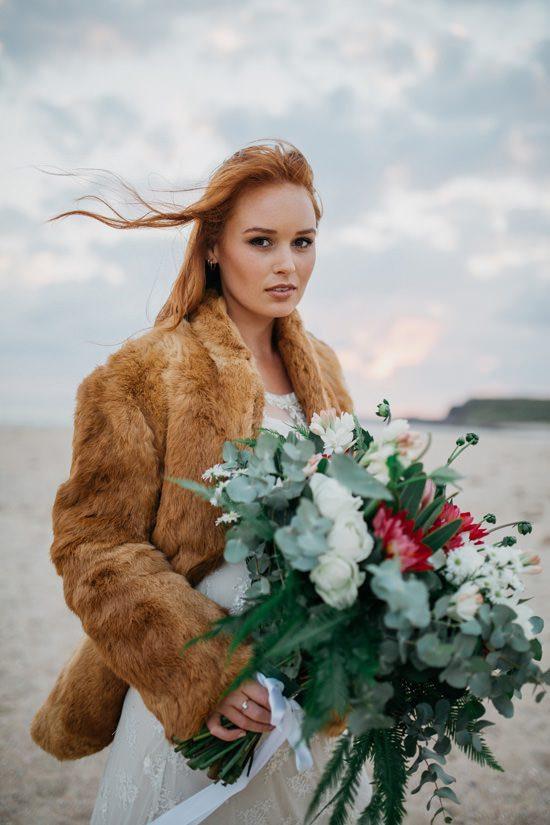 Windswept Beach Bride Inspiration001