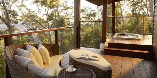 peak-lodge-accomodations-prv-lodge-2-bed-outside