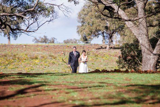 Pretty Rustic Farm Wedding20160712_1137