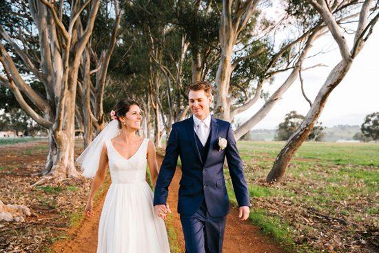 Pretty Rustic Farm Wedding20160712_1186