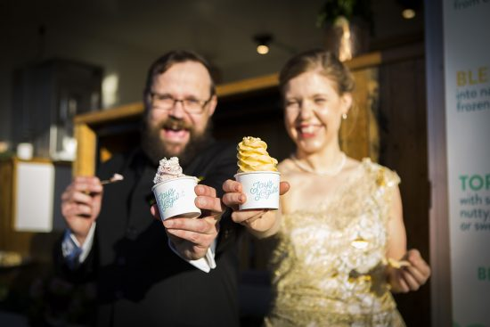 What You Need To Know If You're Planning A Food Truck Wedding