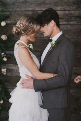 Indoor Rustic Chic Wedding Ideas039