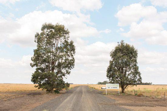 Modern Australian Farm Wedding001