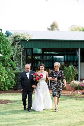 Modern Australian Farm Wedding038