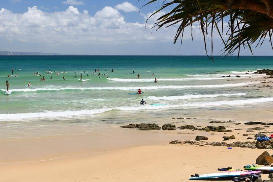 noosa-beach-surfers