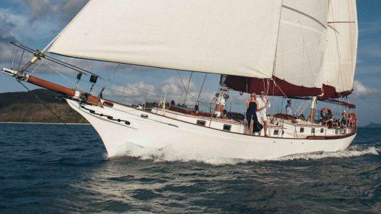 lady-enid-whitsundays-cruising