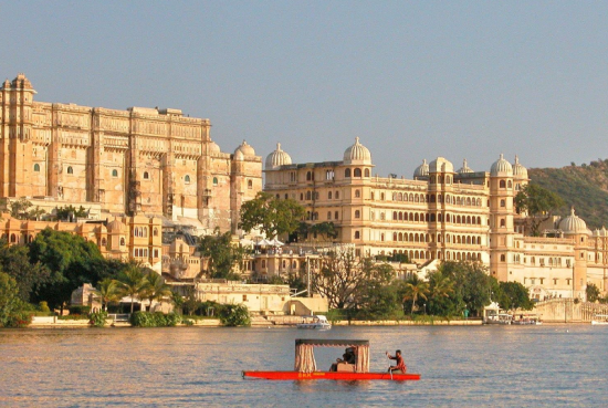 palaces-of-udaipur