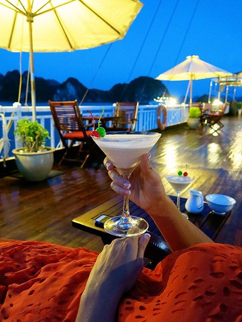 happy-hour-on-indochina-sails