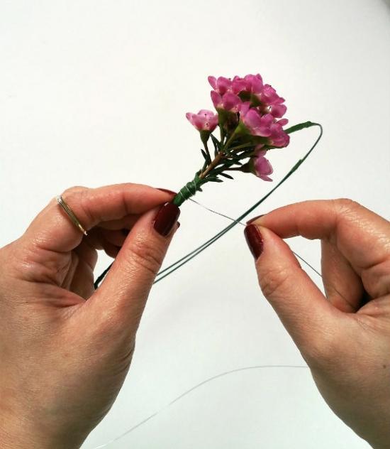 pink-flower-crown-tiny-flowers-diy-tutorial
