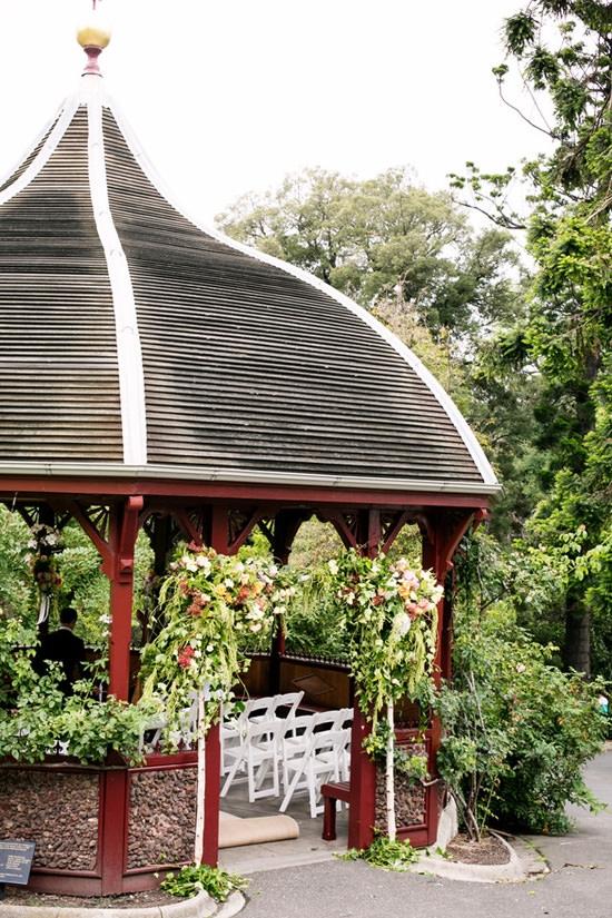 lush-rose-garden-pavilion-wedding20150110_4764
