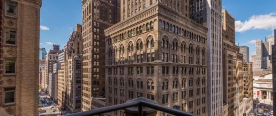 the-libary-hotel-balcony