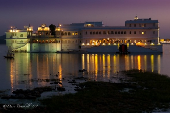 thumbnail_lake-palace-udaipur-india