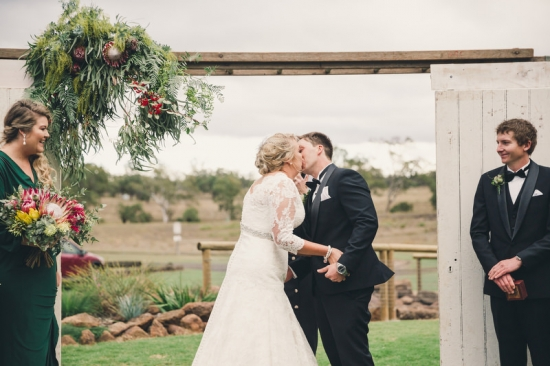 decadent-jondaryan-woolshed-wedding20160708_5116