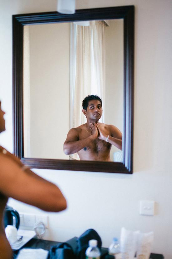 Image Xiss Photography. Via Joanne and Janiks Elegant Sri Lanka Wedding