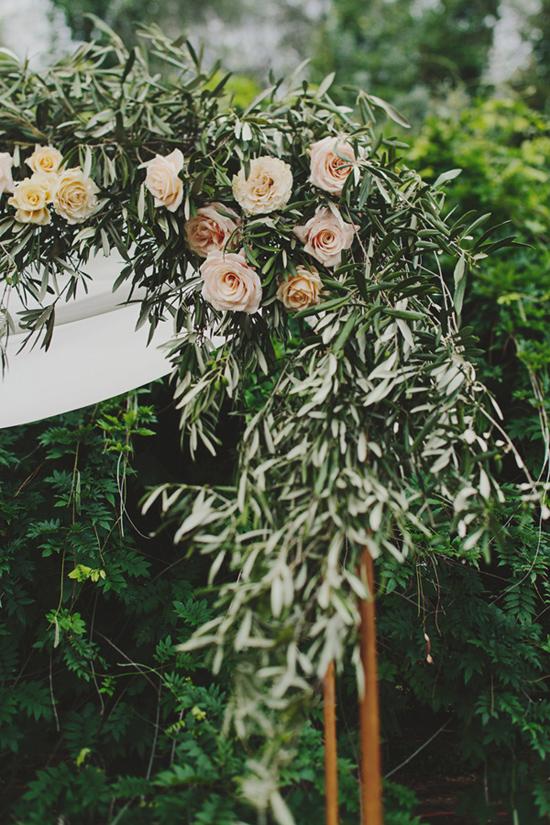 olive branch wedding styling
