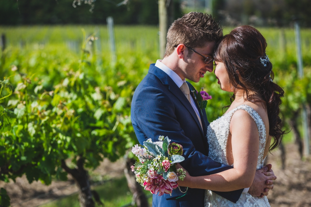 106067 simple lunchtime stones of the yarra valley wedding by twentyone photos