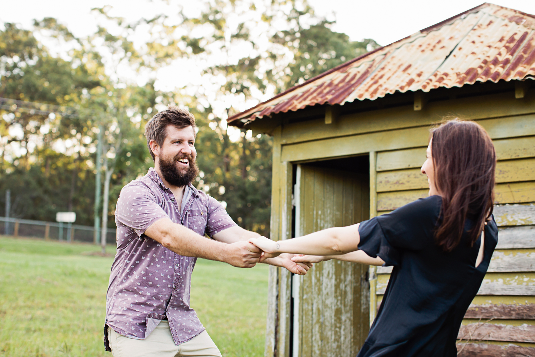 116597 relaxed queensland country engagement by quince mulberry studios