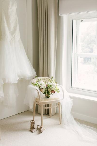 120309 classic romantic perth wedding by angela higgins