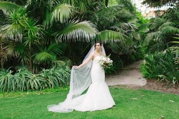 120359 classic romantic perth wedding by angela higgins