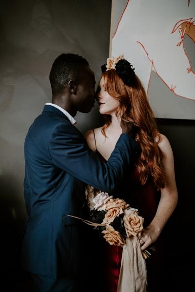 124747 moody avante garde winter wedding inspiration by samantha simone photography