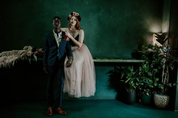 124778 moody avante garde winter wedding inspiration by samantha simone photography