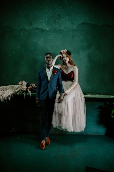 124781 moody avante garde winter wedding inspiration by samantha simone photography