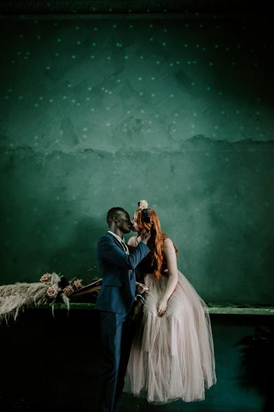 124785 moody avante garde winter wedding inspiration by samantha simone photography