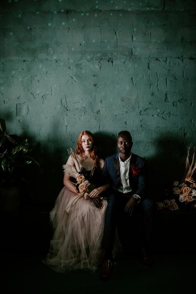 124803 moody avante garde winter wedding inspiration by samantha simone photography