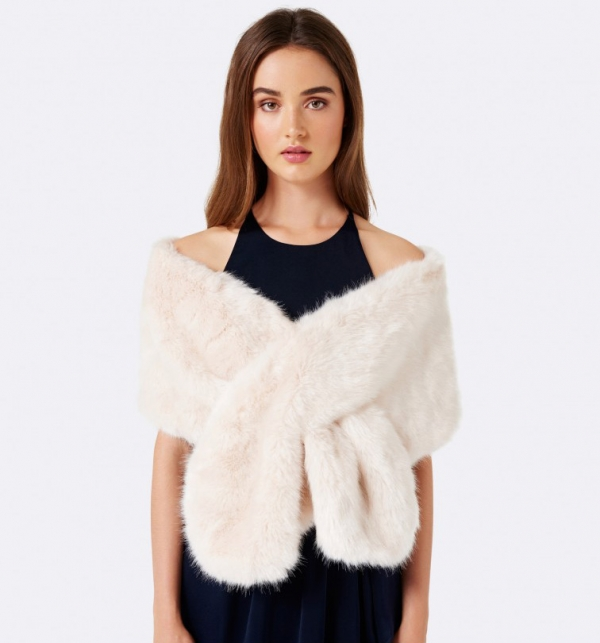 faux fur wrap for weddng