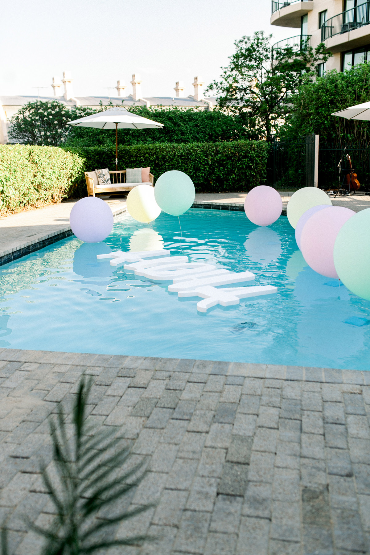 228472 Hawaiian Poolside Party Ideas Photographed By Kate Robinson