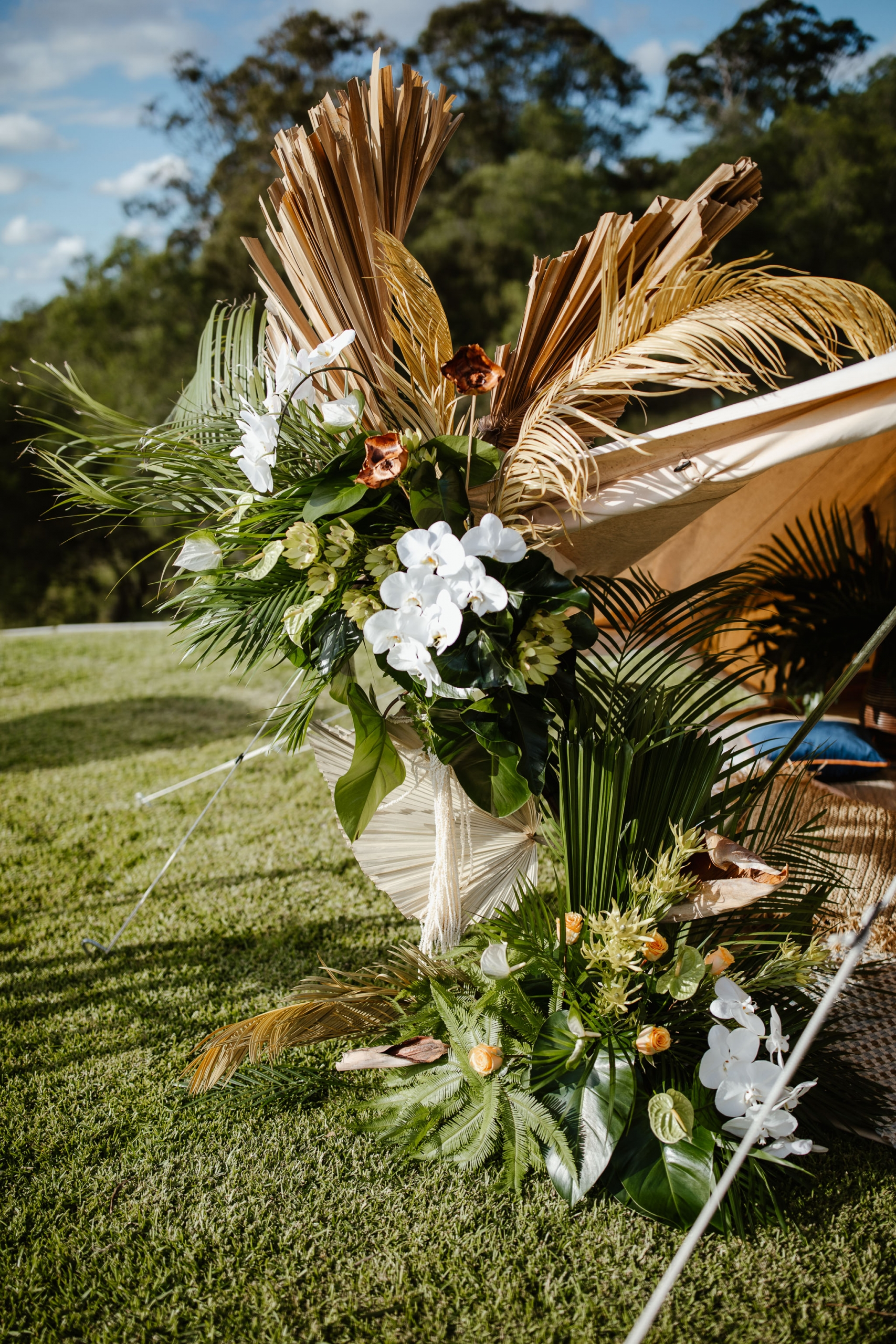 236328 Tropical Modern Outdoor Engagement Party Ideas Photographed By Sundown Film And Photography Image Polka Dot Bride