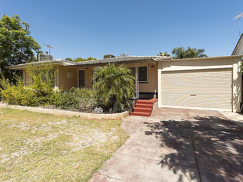 COSY HOME EITH POOL & CLOSE TO AMENITIES