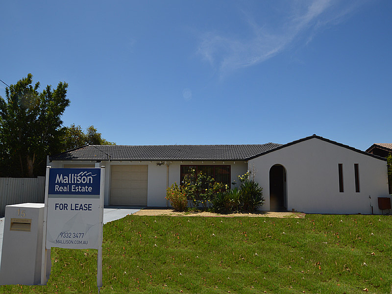 Large family home in Lynwood SHS zone!
