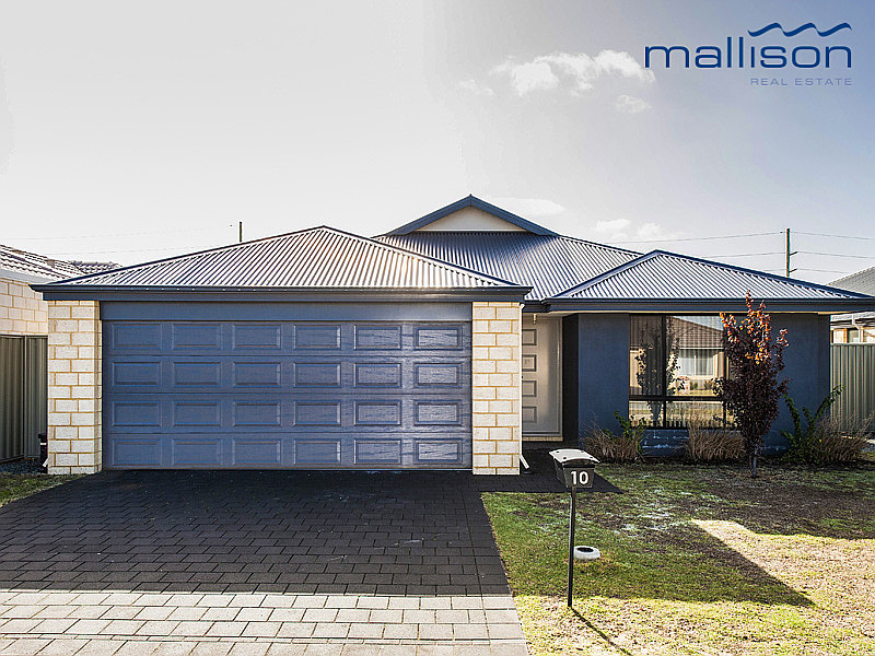 Family home in convenient location!