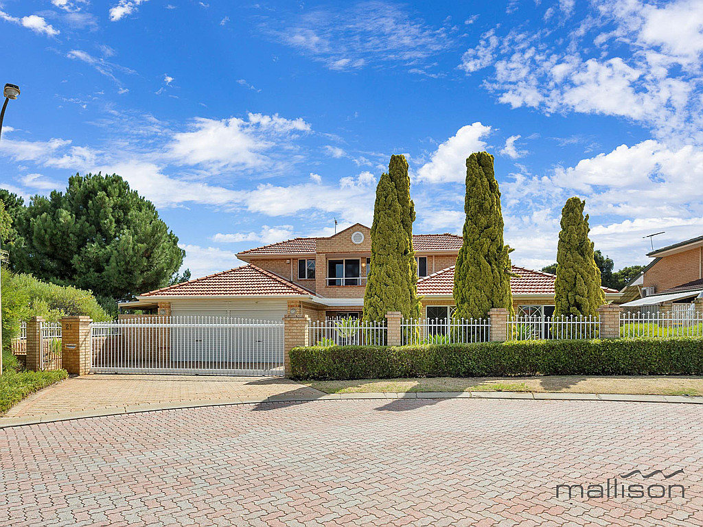Spacious Modern Home with Landscaped Cottage Gardens!